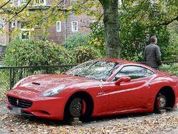 Mirip di Film, Ferrari Ini Peleknya Saja yang Dicuri