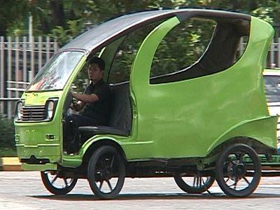 Dokter di Surabaya Ciptakan Mobil Udara