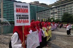 Sama-sama Peduli AIDS, Tak Semua Sepakat dengan Kampanye Kondom