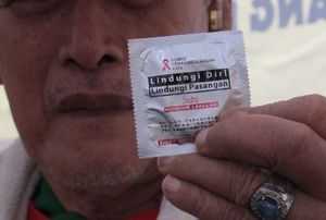 Hasyim Muzadi Tidak Setuju Pekan Kondom Nasional