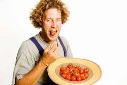 Segelas Jus Tomat Setiap Hari Jauhkan Wanita dari Kanker Payudara
