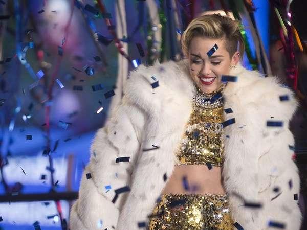 Berpesta Bersama Miley Cyrus di Akhir Tahun 2013