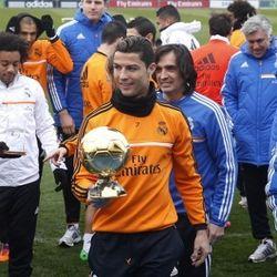 Agen: Ronaldo Bakal di Madrid Hingga Usia 40 Tahun