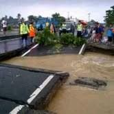 Ada Jalan Ambles, Jalur Pantura Pamanukan Arah Jakarta Macet 10 Km