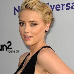 Amber Heard Nikmati Pacaran dengan Pria Maupun Wanita