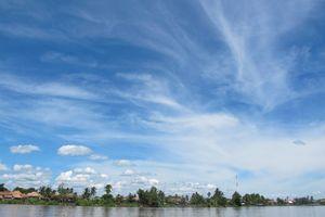 Langit Biru Bersih di Sisi Lain Sungai Musi