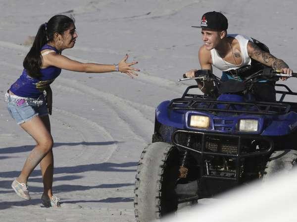 Liburan di Panama, Justin Bieber Diburu Fans