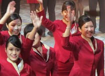 Aksi Pramugari &  Cheerleaders di Parade Imlek Hong Kong