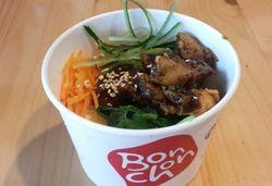 Sensasi Baru Sajian Bibimbap dan Wonderland di Bonchon Chicken