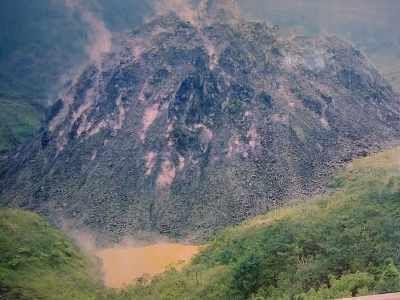Letusan Gunung Kelud Masih Terus Belangsung, Hujan Kerikil Radius 15 KM