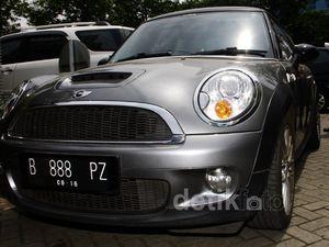 KPK Kembali Sita 6 Mobil Terkait Wawan