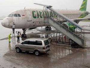 Gunung Kelud Meletus, Bandara Adisutjipto Ditutup