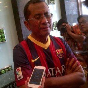 Pimpin Rapat BUMN, Dahlan Pakai Kaos Barca