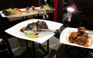 Berkeliling Mencicipi Hidangan dari 5 Negara Asia di High Five Asian Culinary Summit