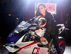 Kia Poetri, Si Cantik yang Suka Freestyle dengan Ducati