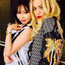 Kocak! Hyuna 4Minute dan Rita Ora Adu Gaya Berjalan di Funny or Die