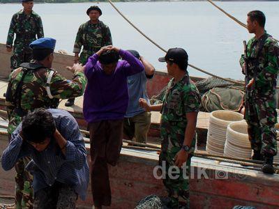 TNI AL Tangkap 5 Kapal Thailand di Aceh