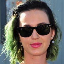 Kisah Cinta Katy Perry yang Berbuah Lagu