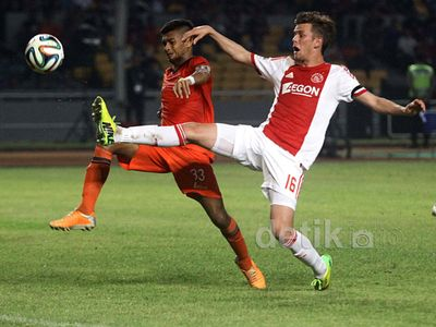 Ajax Taklukkan Persija 3-0