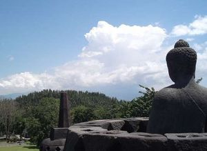 Penting! 7 Tips Menonton Waisak di Borobudur