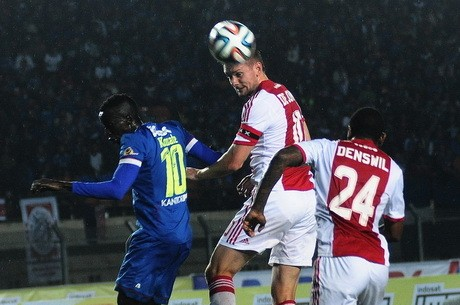 Persib Imbangi Ajax 1-1