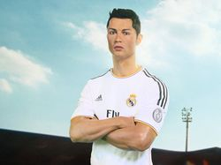 Ronaldo Sambut Piala Dunia 2014 di Madame Tussauds, Hong Kong