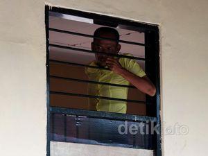 Mengintip Penampungan Orang Gila di Surabaya