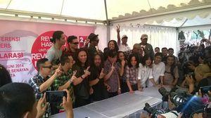 Ini Lirik Lagu Salam 2 Jari yang Dinyanyikan Artis Pendukung Jokowi