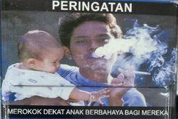 Gambar Pria Sambil Gendong Bayi Lucu di Bungkus Rokok ini Mengundang Protes