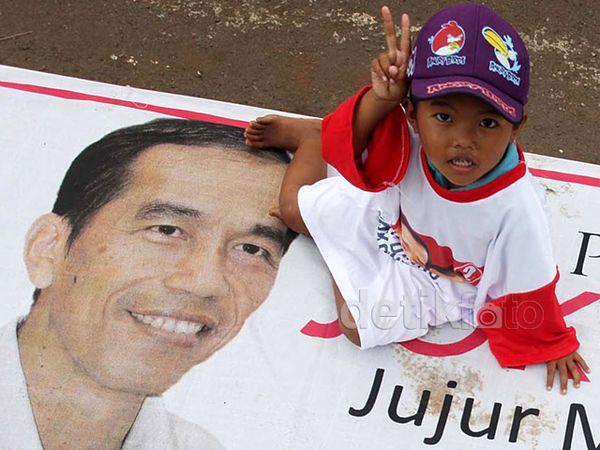 Anak-anak Ramaikan Apel Siaga Relawan Jokowi