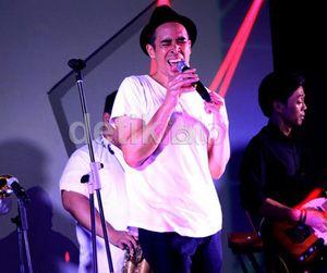 Cerita Jamie Aditya yang Rela Mandi Pakai Celana Jeans Sambil Jongkok