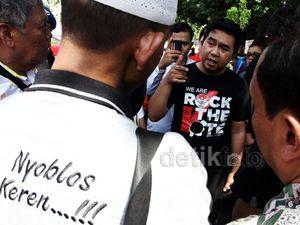 Warga Protes Karena Tidak Bisa Mencoblos