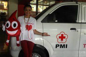 Terselamatkan Saat Anaknya Sakit, Nirina Jadi Rajin Donor Darah