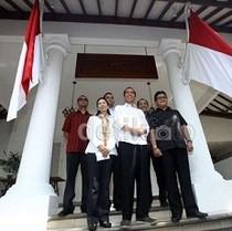 Tim Transisi Jokowi Kritisi RAPBN 2015