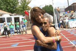 Atasi Duka Kehilangan Anak, Nenek 99 Tahun Cetak Rekor di Lomba Lari