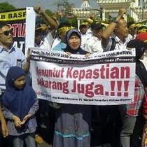 Ingin Mengadu ke Gubernur Jatim, Karyawan Merpati Hanya Ditemui Staf