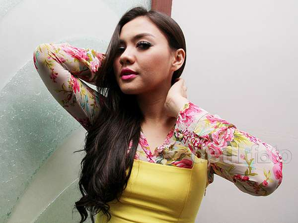 Vicky Shu Berbunga-bunga