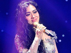 Soal Penyegelan Usaha Karaoke Miliknya, Syahrini Janji Akan Buka Suara