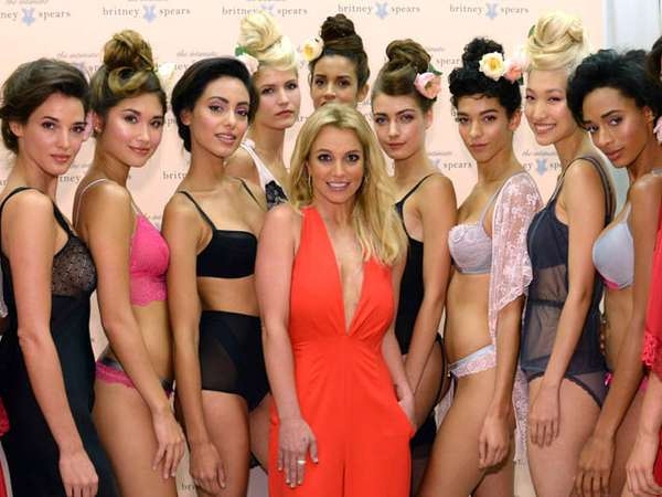 Britney Spears Luncurkan Koleksi Lingerie
