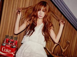Si Cantik Tiffany di Foto Teaser Comeback TaeTiSeo