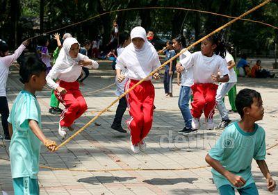 Lestarikan Permainan Tradisional Lewat Pesta Anak Negeri