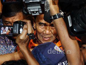 Gubernur Riau Resmi Ditahan KPK