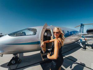 Enak Banget, Dibayar Keliling Dunia untuk Selfie