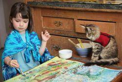 Wah! Kucing Bantu Balita Autistik Ciptakan Lukisan Bernilai Seni