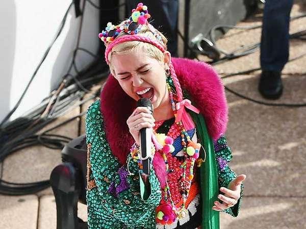Miley Cyrus Warna-warni di Sydney