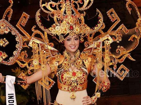 Elfin Pertiwi Bawa Adat Lampung di Ajang Miss International 2014