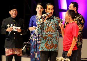 Lucunya Jokowi Bermain Kuis Berhadiah Sepeda, dari Nama Hewan Hingga Lagu Rock