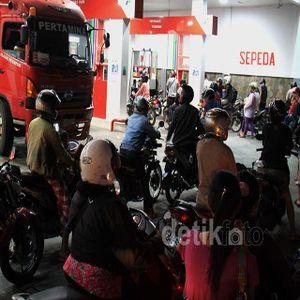 Jokowi Mau Naikkan Harga BBM, Ekonom Indef: Potong Dulu Perjalanan Dinas
