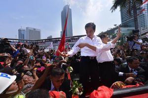 Presiden Jokowi dan Rakyat yang Berpesta