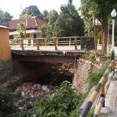 Duh, Sungai di Pulau Bawean Jadi Tempat Sampah